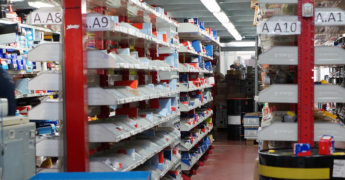 foto corridoio magazzino